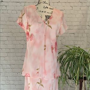 Full length Jessica Howard pink floral dress